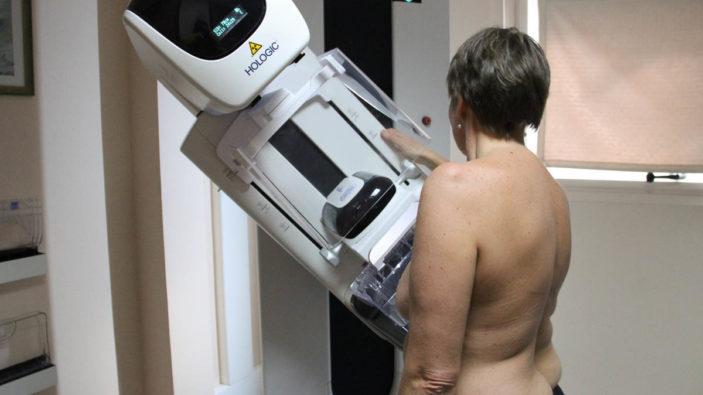 Dépistage du cancer du sein : l'INCa pointe les disparités de participation et de détection